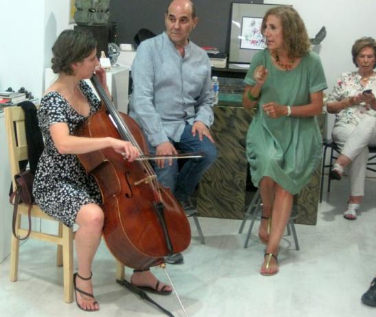 Mónica Jorquera, Miguel Escanciano y Cova Villegas pusieron voz y música a la exposición.