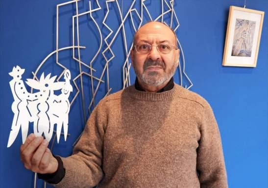 El artista leonés Esteban Tranche expone en Don Gutierre. Foto: CUEVAS / Diario de León.