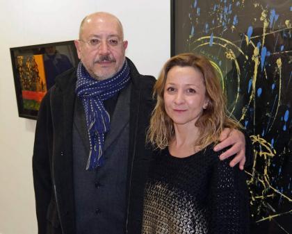 Pelayo Ortega con la galerista Marga Carnero. © Foto: Cuevas / Diario de León.